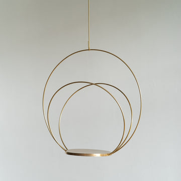 Medium Brass Circle Hanging Plant Podium