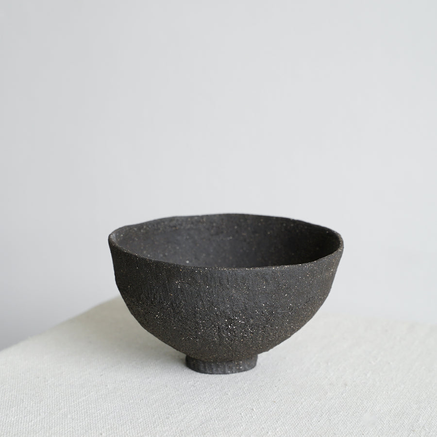 Small Vitrified Black Shallow Ikebana Bowl 02