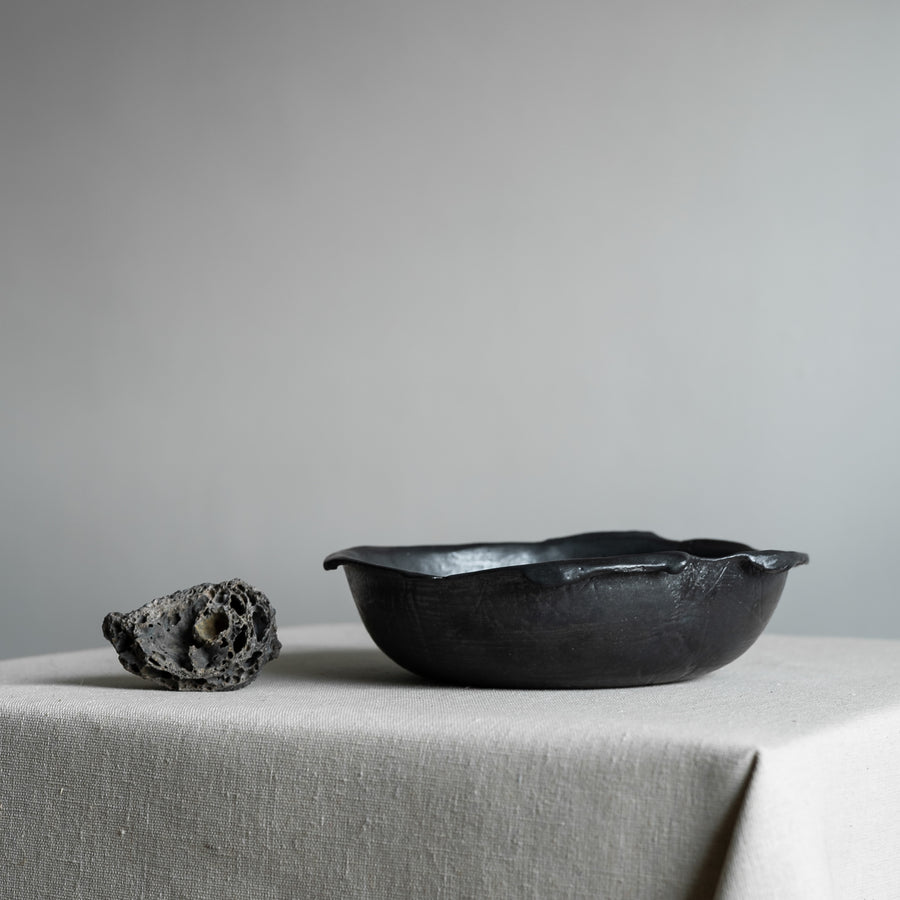 N01001 Small Black Ikebana Stoneware Bowl