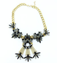 Load image into Gallery viewer, Geneva Bib Necklace