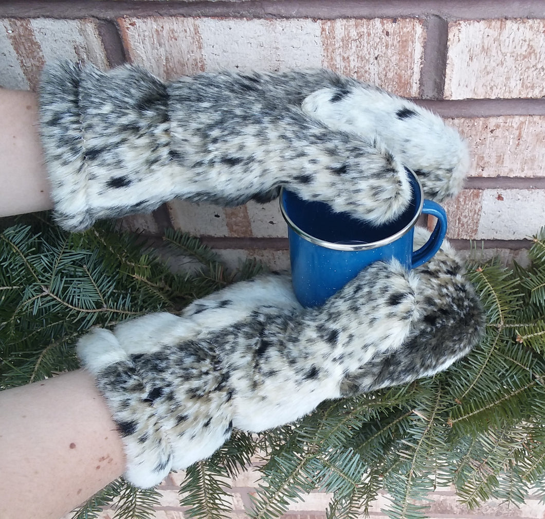 Polar Mitts - Faux Fur Spots
