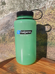 32 oz Nalgene Glow in the Dark