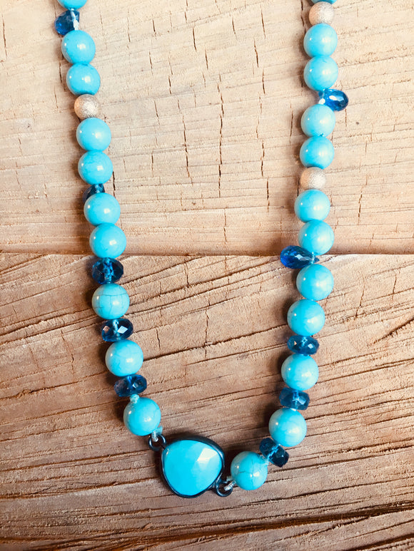 Turquoise necklace with Kyanite drops