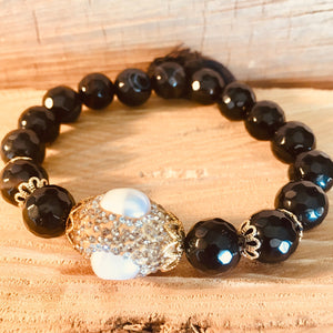 Black agate bracelet with crystallized pearl
