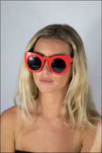 Load image into Gallery viewer, Camilla Glasses Red