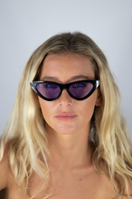 Load image into Gallery viewer, Bianca Sunglasses Black and purple