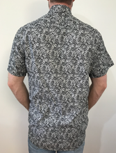 Load image into Gallery viewer, Black and White floral Button Up Shirt
