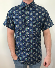 Load image into Gallery viewer, Blue Print Button Up Shirt