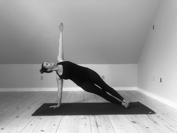 Vasisthasana: An Ayurvedic Guide to Side Plank