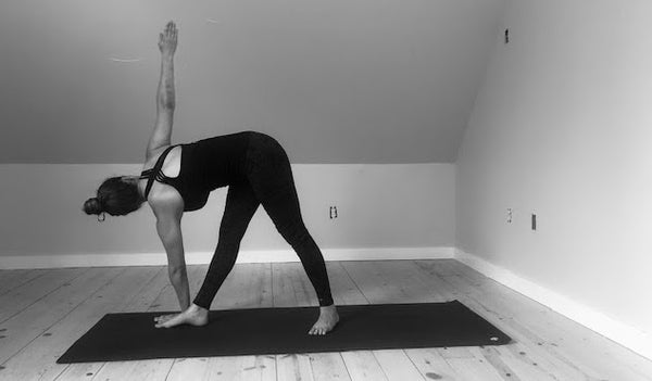 Parivrtta Trikonasana: An Ayurvedic Guide to Revolved Triangle
