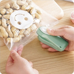 Mini Portable Bag Clips Home Electric Sealing Vacuum Bag for packing