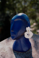Load image into Gallery viewer, FLOWER BITS EARRINGS