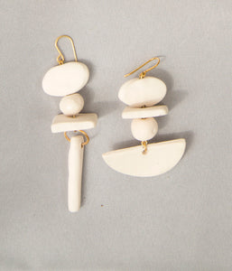 TOTEM V EARRINGS