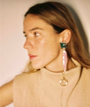 Load image into Gallery viewer, PÉTALO EARRINGS