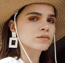 Load image into Gallery viewer, L SQUARE EARRINGS