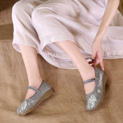Round head square dance embroidered tendon bottom wedge women's shoes
