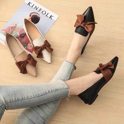 Pointed bow flat shoes