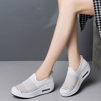 Thick bottom mesh sports shoes