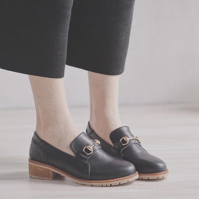 Simple retro with metal one-button buckle loafers