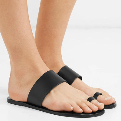 Black flat sandals and slippers