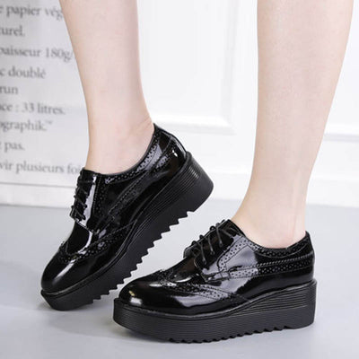 Solid color brogue round head leather platform shoes