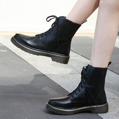 2019 new autumn British wind was thin six-hole thick with short boots female flat-bottom trend Martin boots 02