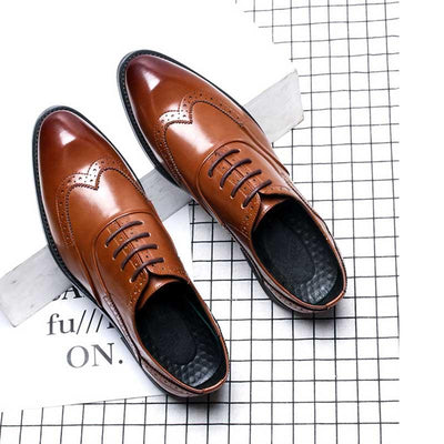 Winter new British Bullock formal dress men's leather shoes trend breathable fashion pointed lace business men's shoes