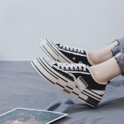 Autumn and winter new Korean wild plus velvet platform canvas shoes