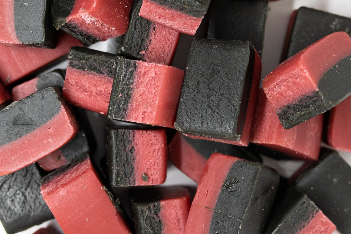 Hallon Lakritisfudge (Raspberry Licorice Fudge)
