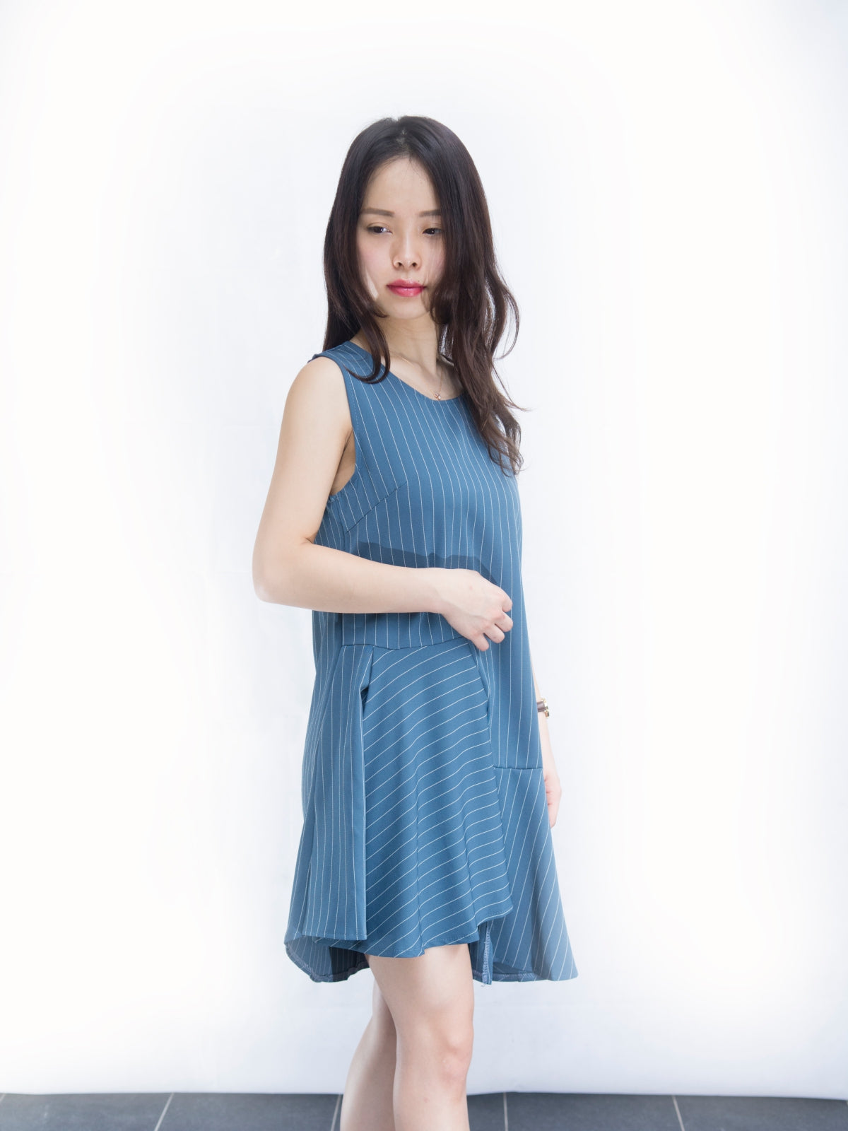 Cover-all-angles Stripy Layered Sleeveless dress