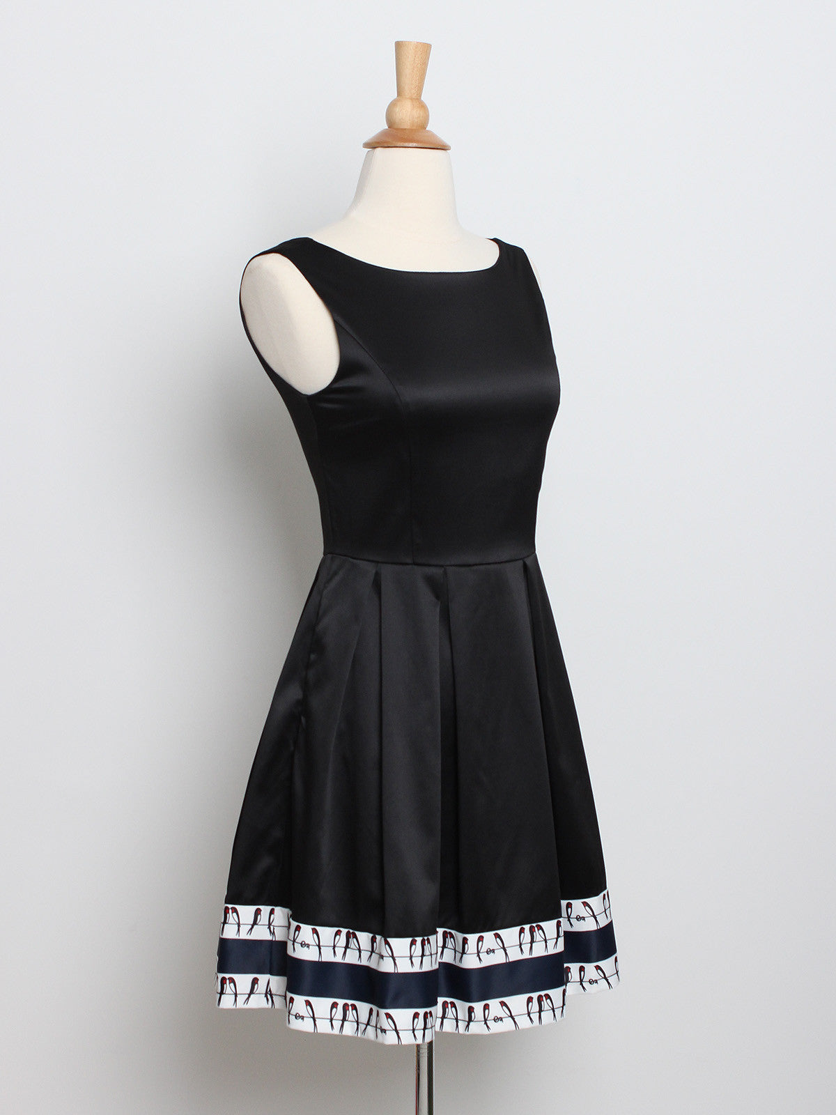 Eva Swallow Hem Dress Black