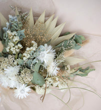 Load image into Gallery viewer, Dried Bouquet - Beachy Neutrals