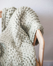 Load image into Gallery viewer, Chunky Knit Throw - Sage