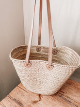 Load image into Gallery viewer, Leather + Straw Market Bag