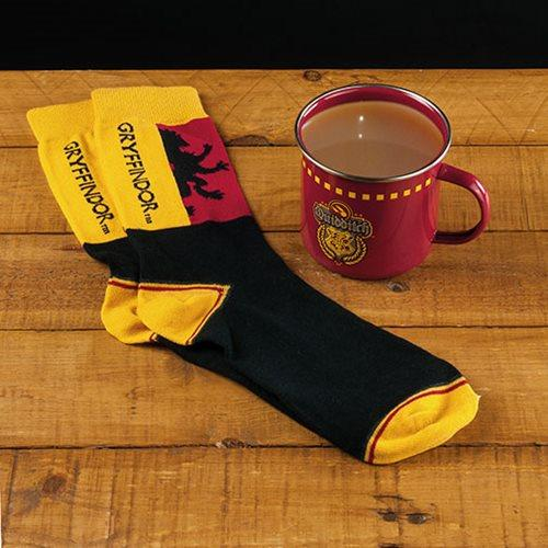 HARRY POTTER Gryffindor Quidditch Tin Mug & Sock Set
