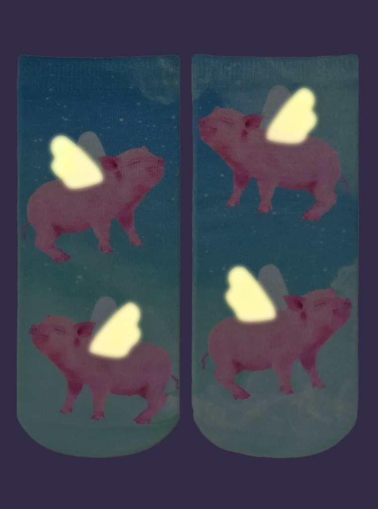 LIVING ROYAL When Pigs Fly Glow In The Dark Ankle Socks