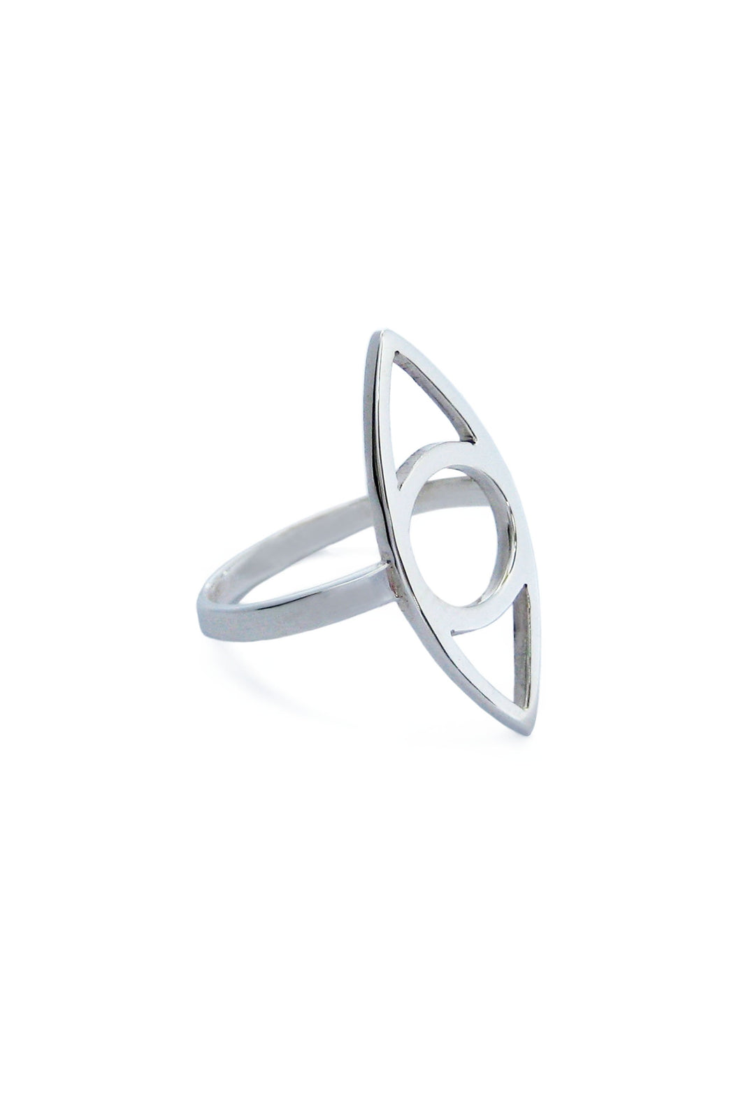 Eye ring handmade in 925 sterling silver. Eye ring designad som ett öga, handgjord i silver.