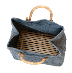 Pako lunch bag in jute fabric, rattan and bamboo.