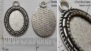 13x18mm Oval Pendant Tray Triple Roped Border Antiqued Silver (Select Optional Insert)
