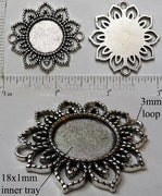 18mm Circle Pendant Tray Thread Knit Sunflower Two Connector Loops Antiqued Silver (Select Optional Insert)