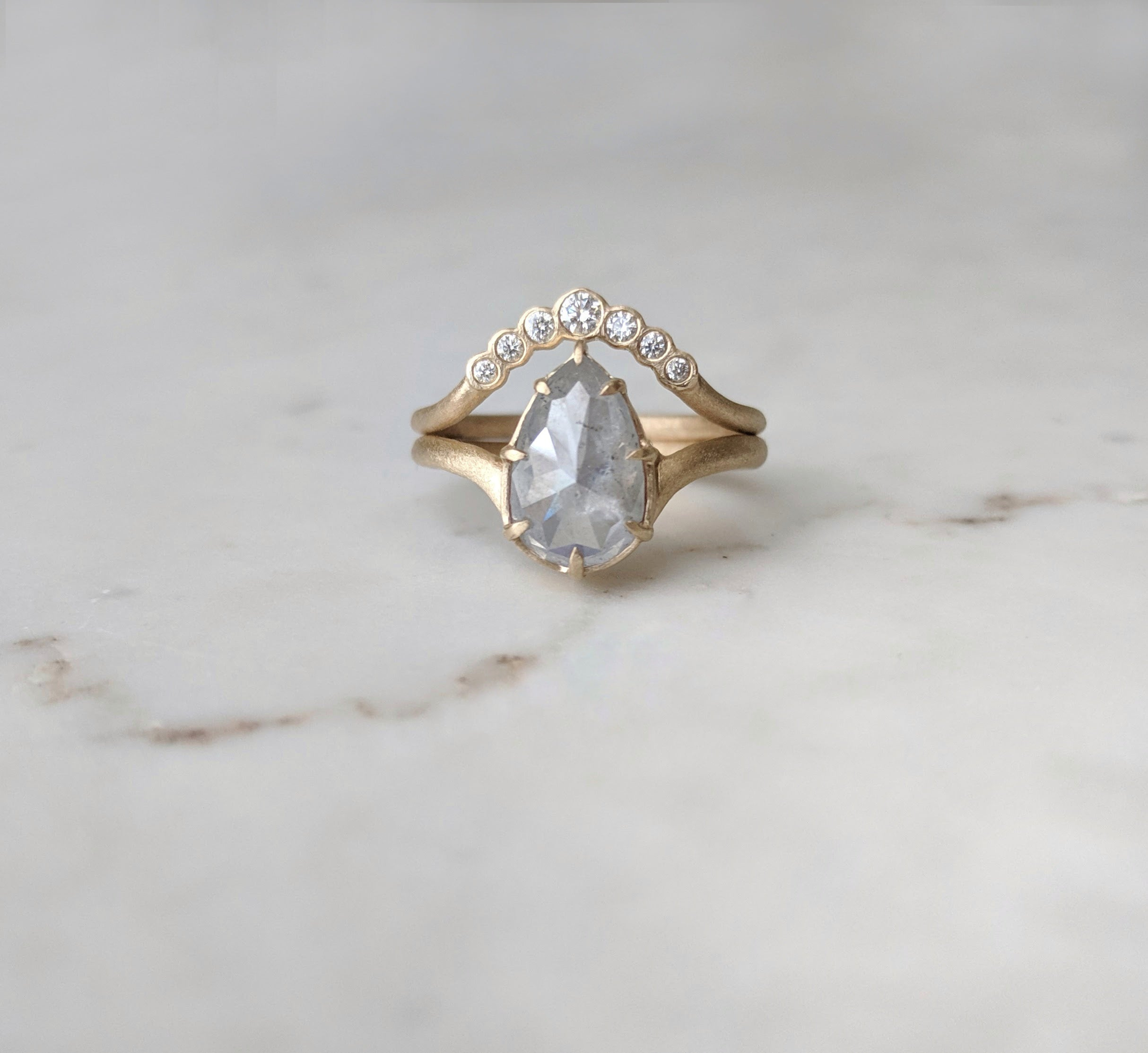 Grey Pear Diamond Ring Set