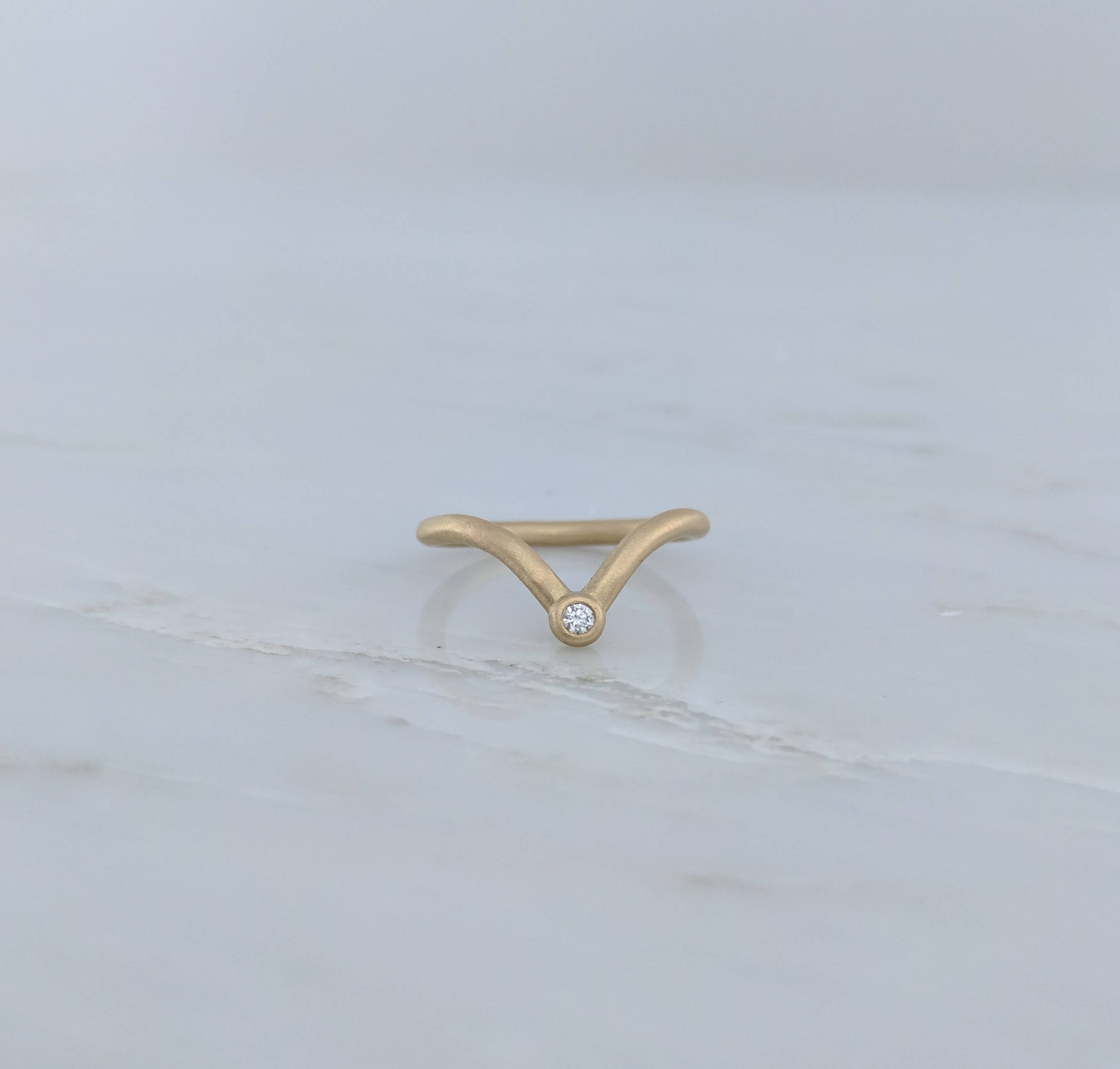 Curved V Ring with Diamond Accent in 14K Yellow Gold