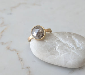 Big Gray Rose Cut Diamond in 14K Yellow Gold