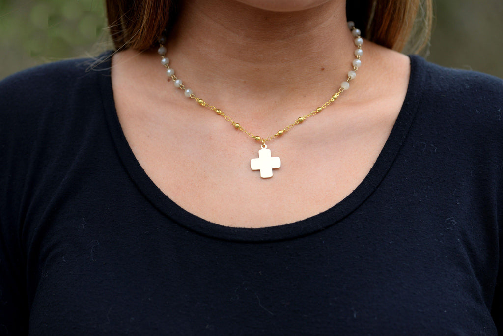 Light Gray Beaded Necklace With Cross