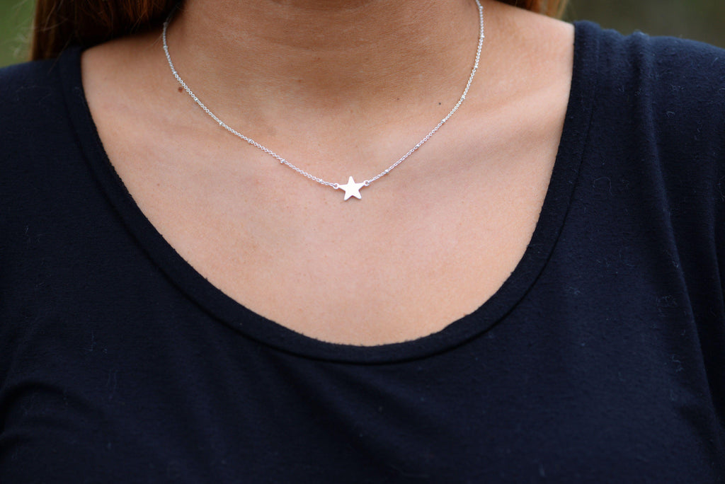 Single Star Silver Tone Necklace