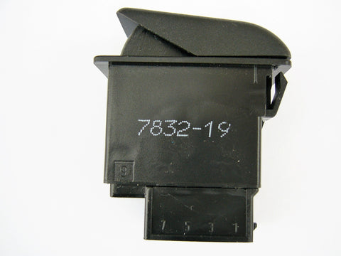 HELLA  6GM 007 832-191 Momentary Switch