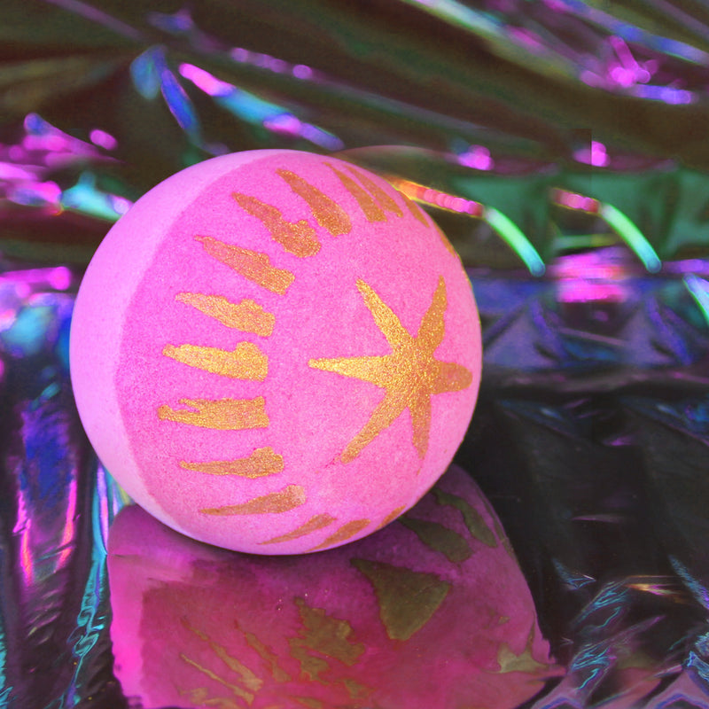 hallu dance party bath bomb with flashing LED light inside