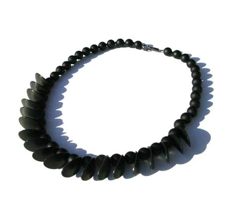 Onyx necklace with black ovals