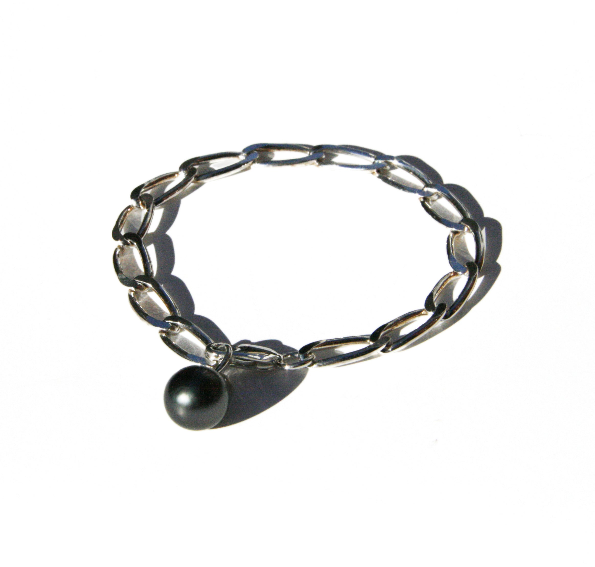 Bracelet with Tahitian pearl charm