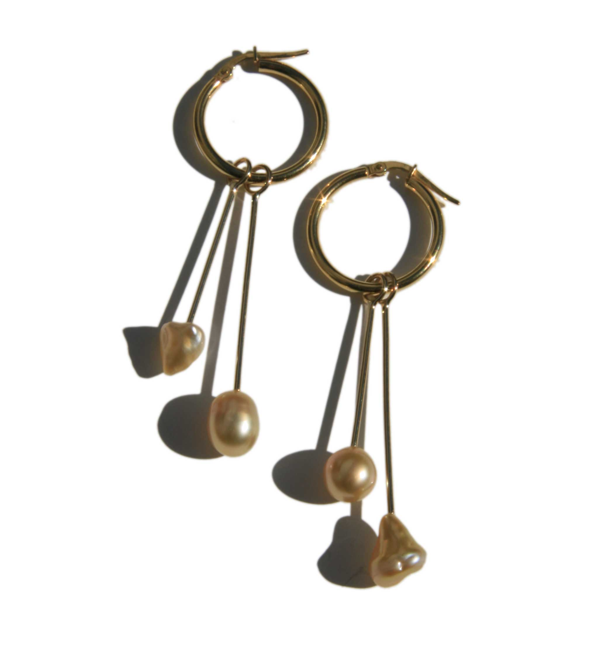Earrings gold hoops with gold Keshi pearl drops